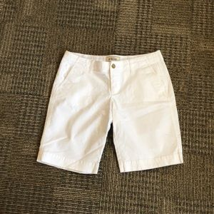 Like new Old Navy low rise perfect Bermuda khakis